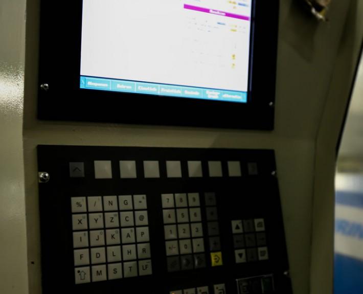 Schaltpult der Drehmaschine Boehringer DUS